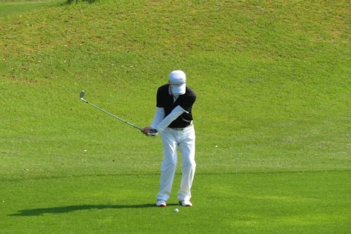 ゴルフ左腰が痛い