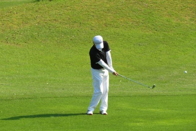 ゴルフで左腰が痛い原因