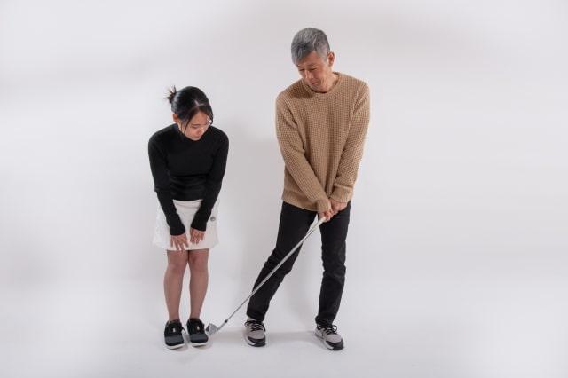 ゴルフ腰痛右側対策の正しいスイング