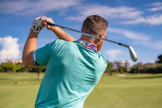 ゴルフ腰痛左側