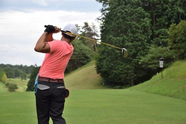 ゴルフは上腕三頭筋を鍛えよう