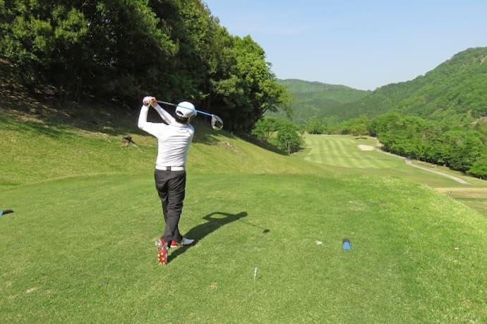ゴルフ 腰痛