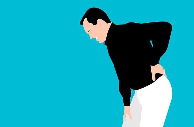 ゴルフで腰が筋肉痛 原因