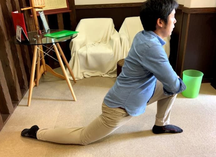 腸腰筋のストレッチの手順