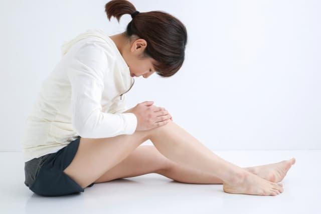 テレワークで膝の痛みが起こる原因